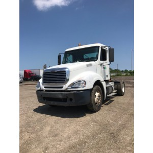 2007 Freightliner Columbia Day Cab in IL