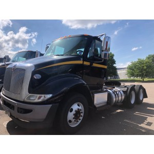 2015 International 8600 Day Cab
