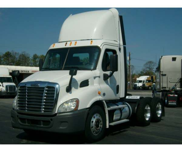 2013 Freightliner Cascadia Day Cab5