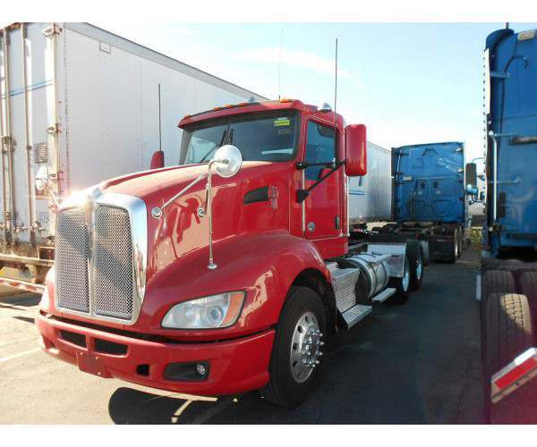 2013 Kenworth T660 Day Cab 3