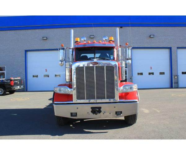2014 Peterbilt 388 Day Cab