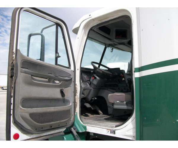2009 Freightliner Columbia Day Cab 7