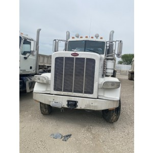 2009 Peterbilt 388 Day Cab