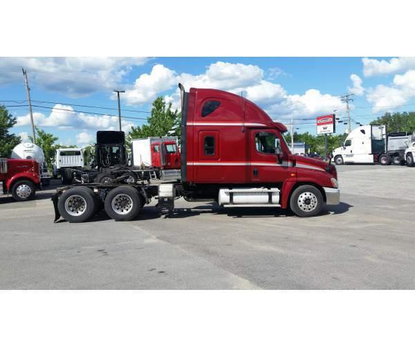2010 Freightliner Cascadia in ME