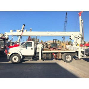 2007 Ford F750 Crane Truck in CA
