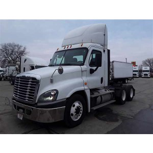 2016 Freightliner Cascadia Day Cab in IA