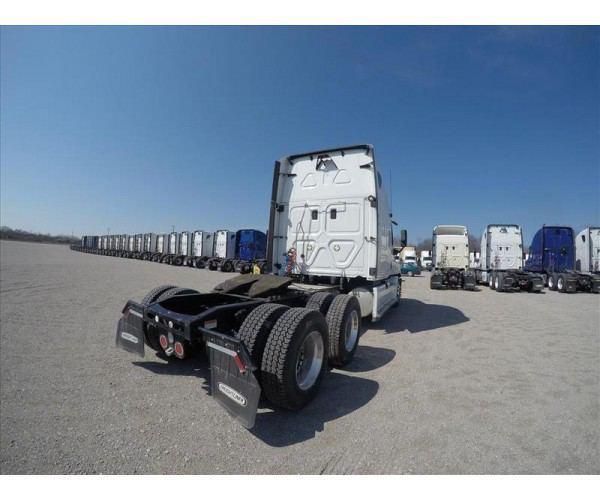 2012 Freightliner Cascadia 15