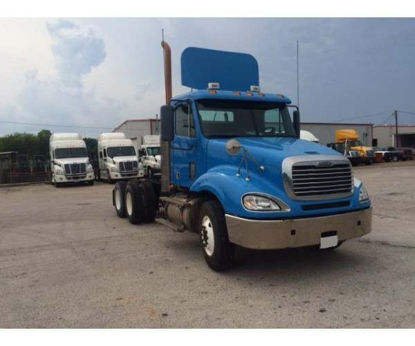 2009 Freightliner Columbia Day Cab 8