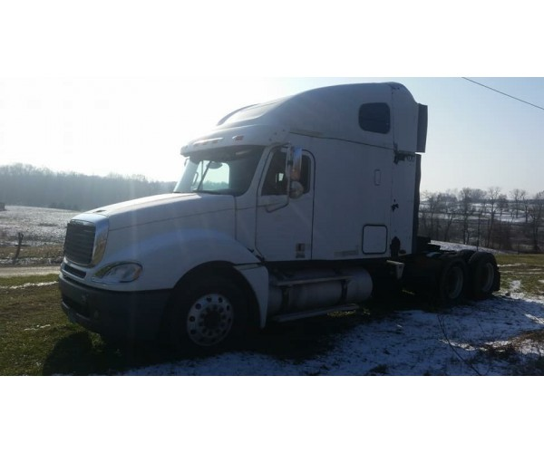 2006 Freightliner Columbia in OH