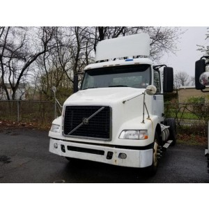 2009 Volvo VNM 200 Day Cab in PA