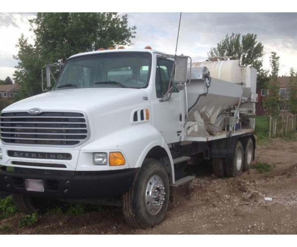 2005 Zimmerman ZM-406-N1-SP Mobile mixer 6YD on 2006 Sterling LT8500