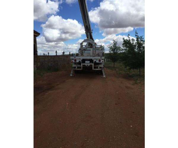 1993 International 4900 bucket truck with 50' boom, pole grabber, 81 degree angle, wholesale, Texas