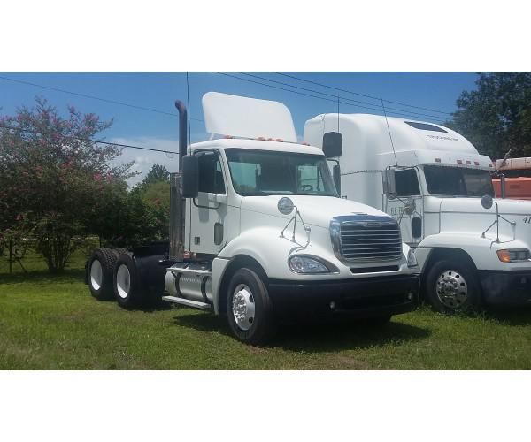 2007 Freightliner Columbia Day Cab in FL