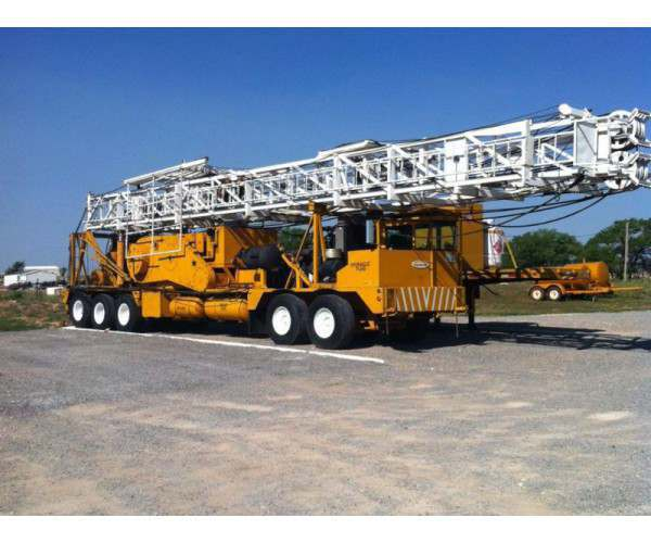 1980 Cardwell K200C 13,000'+ Depth Well Service Unit, 5-Axle in Texas