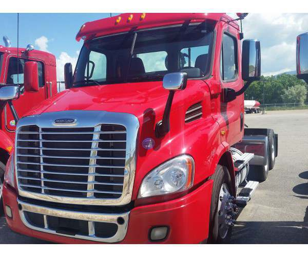 2014 Freightliner Cascadia Day Cab4