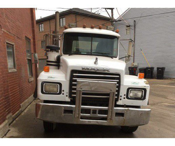 1995 Mack RD688S Day Cab 7