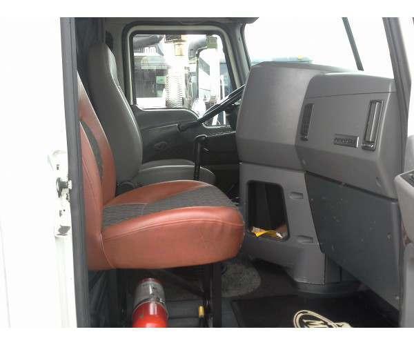 2009 Mack CXU613 cabin