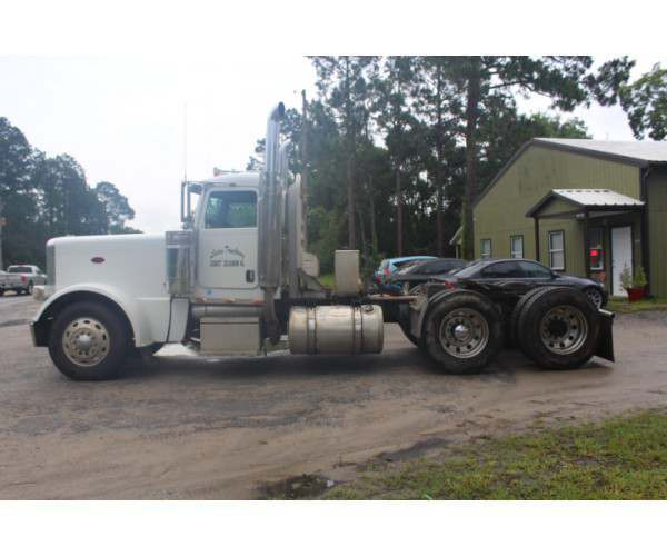 2009 Peterbilt 389 Day Cab in FL