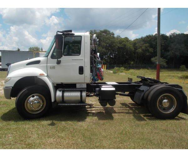 2006 International 4400 Single Axle Day Cab