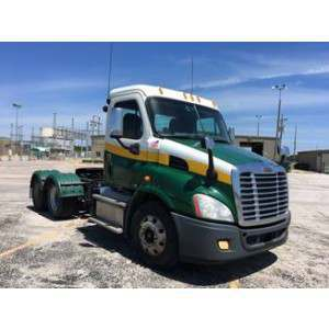 2012 Freightliner Cascadia Day Cab in CA
