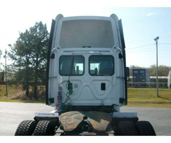 2013 Freightliner Cascadia Day Cab8