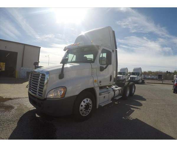 2012 Freightliner Cascadia Day Cab with Detroit DD15 in Tennessee, wholesale, NCL Trucks