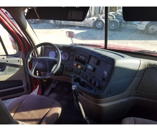 2015 Freightliner Cascadia in IL