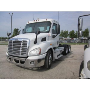 2013 Freightliner Cascadia Day Cab in TX