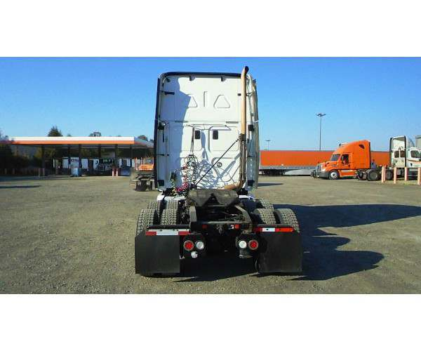 2011 Freightliner Cascadia8