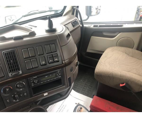 2012 Volvo VNL 300 Day Cab in NH