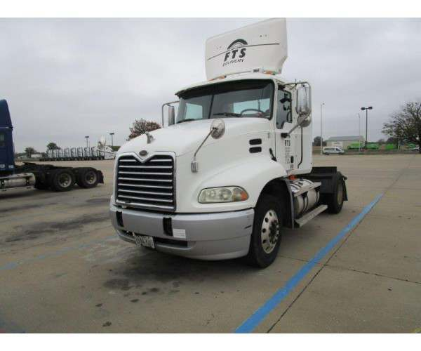 2004 Mack CX612 Day Cab 1