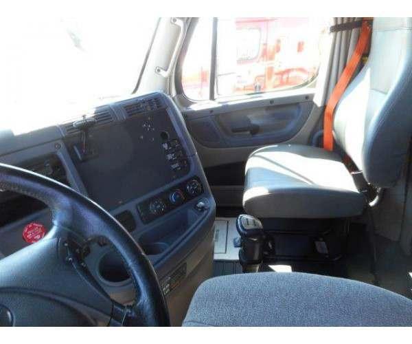 2012 Freightliner Cascadia 16