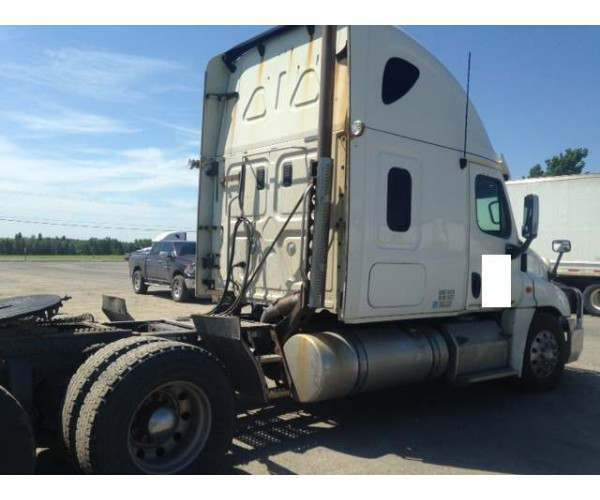 2012 Freightliner Cascadia engine replaced