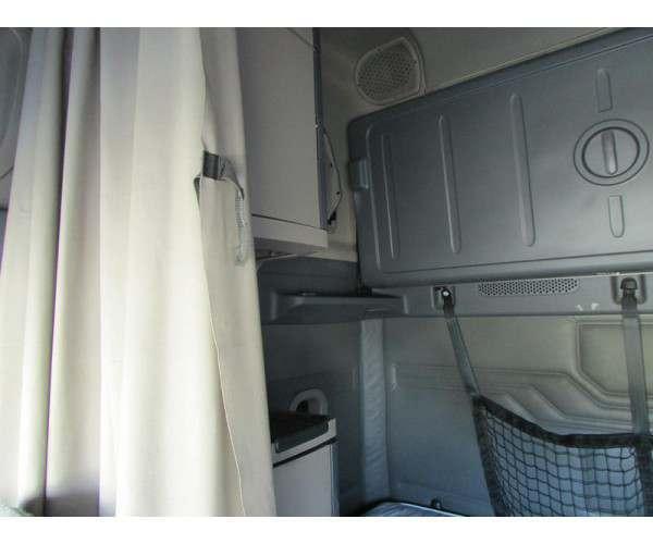 2013 Freightliner Cascadia 12