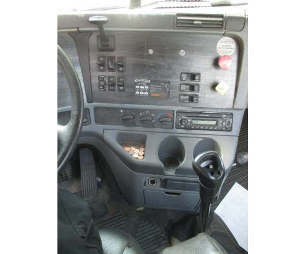 2007 Freightliner Columbia Day Cab in NC