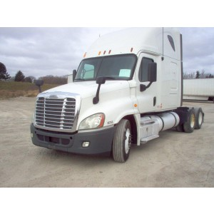 2013 Freightliner Cascadia in WI