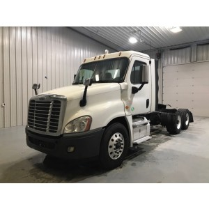 2016 Freightliner Cascadia Day Cab in TN