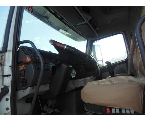 2009 Volvo VNL 630 1