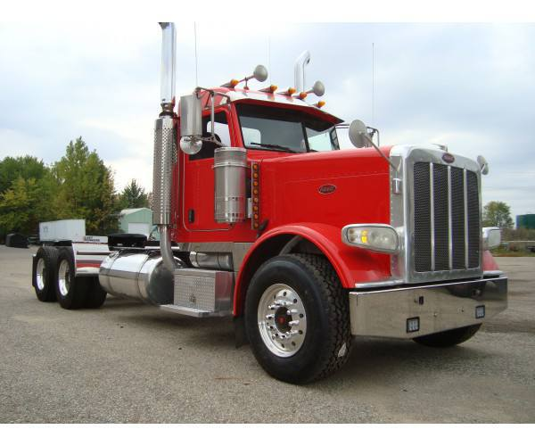 2008 Peterbilt 388 Day Cab 3