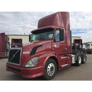 2011 Volvo VNL Day Cab