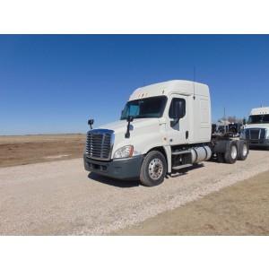 2013 Freightliner Cascadia in KS