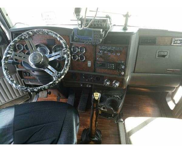 2005 Kenworth T600 2