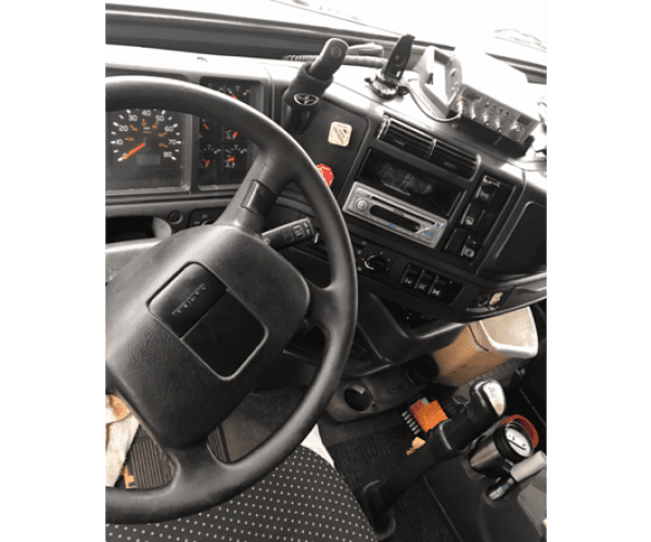 2000 Volvo VNL 610 in IL