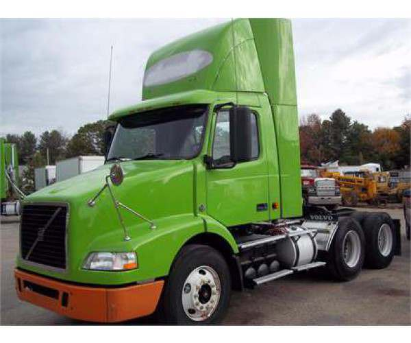 2007 Volvo VNM64T200 Day cab with VED12 engine in Maine, wholesale, NCL Truck Sales