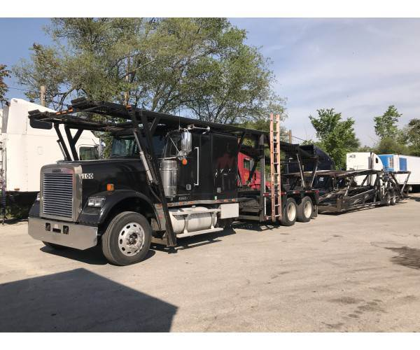 2009 Freightliner FLD120 Car Carrier Truck in IL