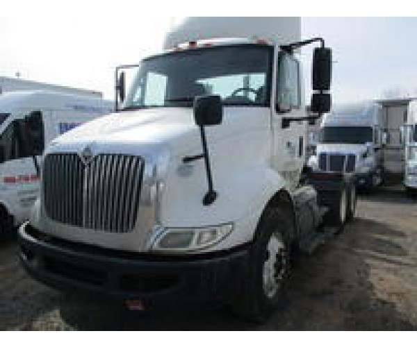 2009 International 8600 Day Cab 7