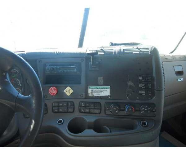 2012 Freightliner Cascadia 8