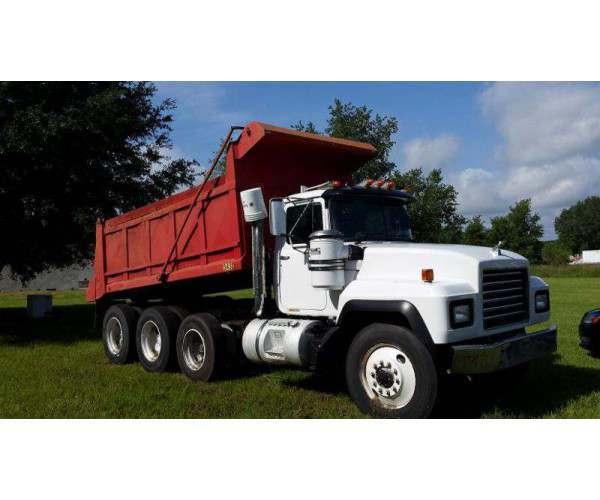 2000 Mack 688S Dump Truck