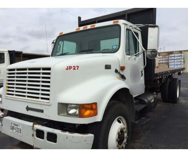 2001 International 4900 18' Flatbed Dump 2