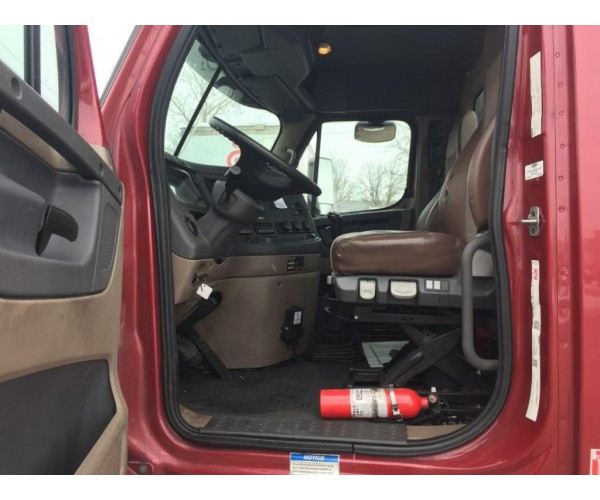 2014 Freightliner Cascadia Day Cab in MO